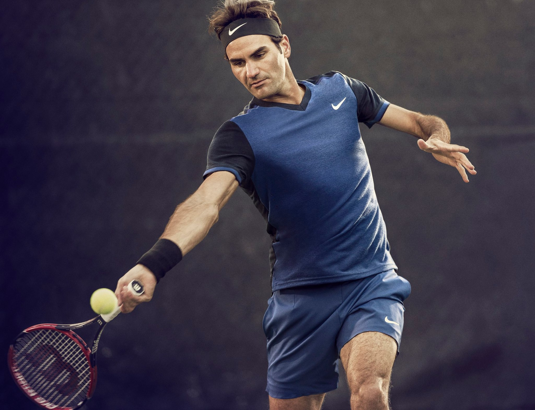 Roger Federer Nike Outfit Winter Holiday 2015