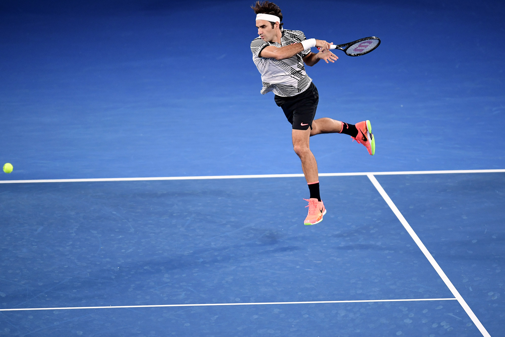 Federer Flies Past Berdych at Australian Open