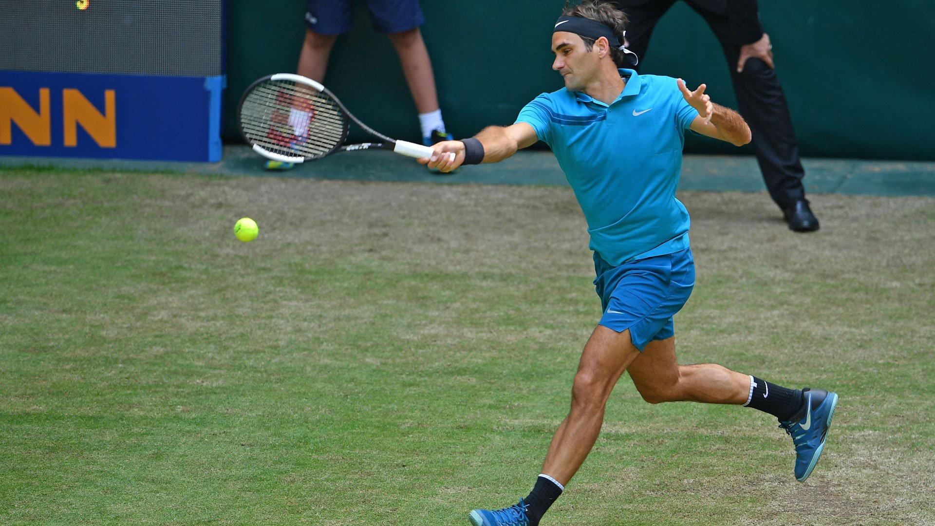 Federer Edges Past Ebden into Gerry Weber Open Semifinals