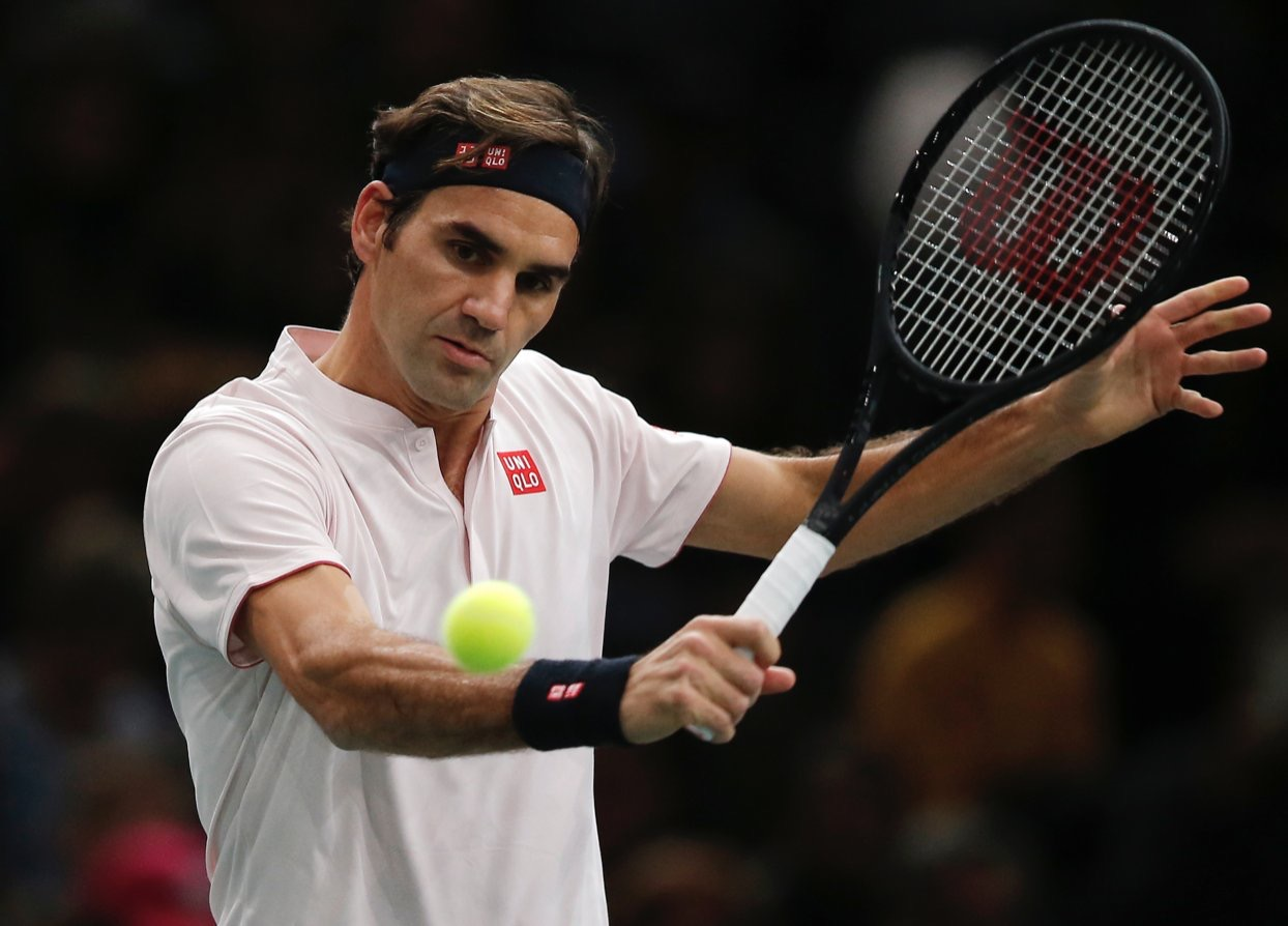 Federer Defeats Fognini at Paris Masters